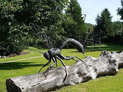 Skulpturen aus der Dorfschmiede in Niederprüm in der Eifel